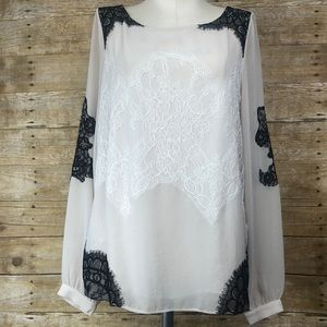 NWT Ann Taylor sheer w/ lace detail blouse size 6